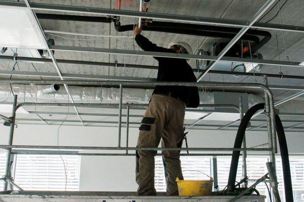 Le secteur du bâtiment a toutefois pu retrouver son activité, et a rembauché des intérimaires.