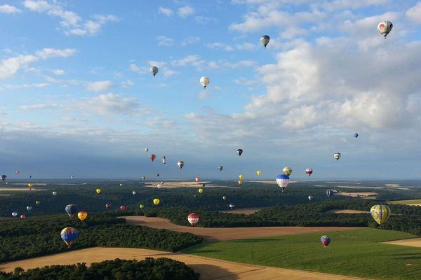Toutes les infos pratiques pour séjourner et s'amuser au Lorraine Mondial Air Ballons sont ici !