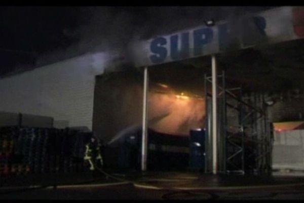 Incendie du Super U de Passy en mai 2012