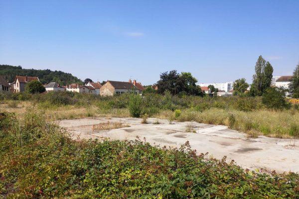 Ce terrain de 10 000 m² devrait accueillir en 2022 la nouvelle cité judiciaire de Cusset dans l'Allier.