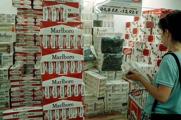 Un supermarché de cigarettes en Andorre