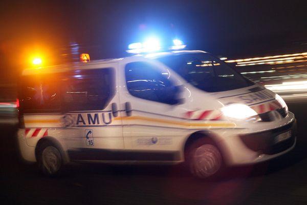 Le chauffeur de la voiture accidentée, a été éjecté de son véhicule. Il était en état d'urgence absolue quand il a été emmené en hélicoptère vers le CHU à Limoges.