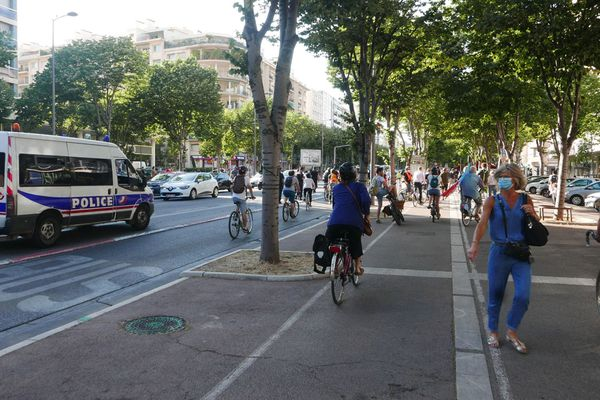 La police serait intervenue pour disperser les cyclistes sur le Prado à Marseille.