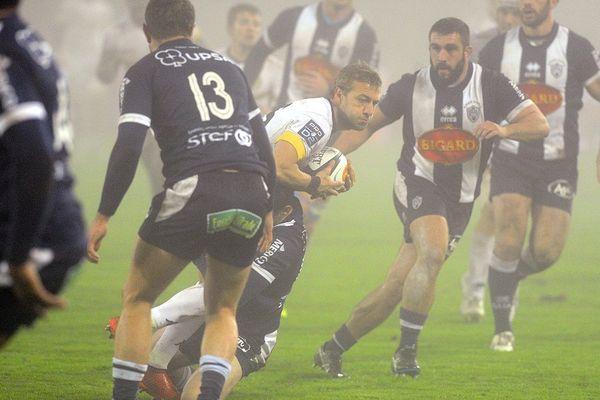Agen s'est imposé 33 à 7 face à Carcassonne ce vendredi, dans un épais brouillard.
