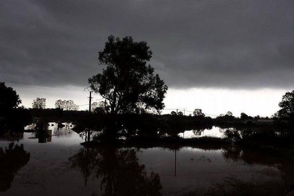 28/11/14 - Intempéries en Corse, le fleuve Fiumorbu (Haute-Corse) a débordé