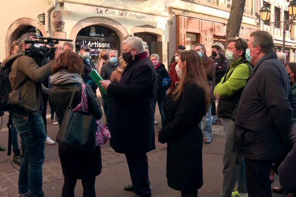 Eric Straumann, annonçant la publication d'un arrêté municipal autorisant l'ouverture des commerces du centre-ville
