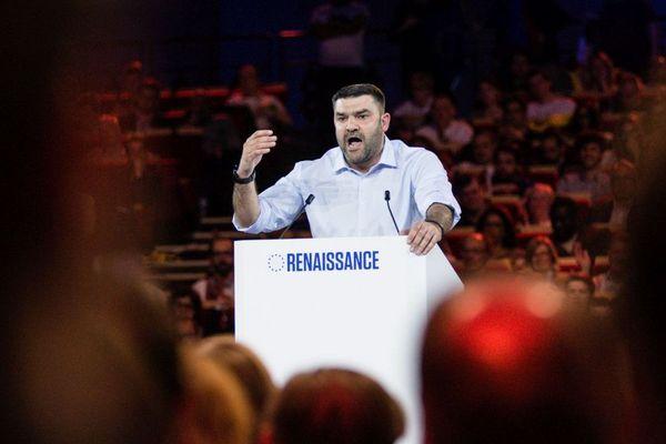 Jeremy Decerle, candidat de la liste LREM aux élections européennes de mai 2019, participe à un meeting le 30 mars à Aubervilliers.
