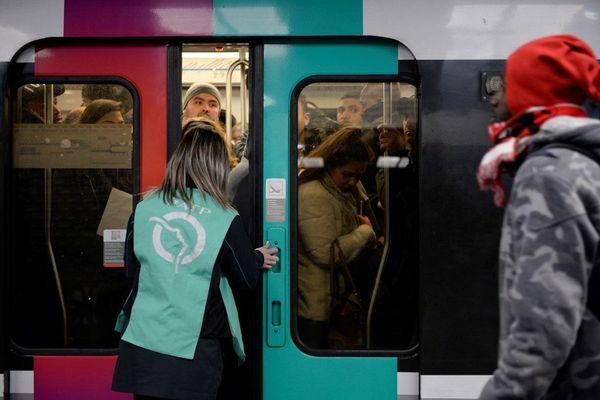 Des conducteurs de RER de la RATP font grève ce jeudi.