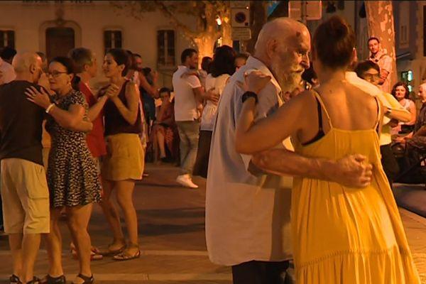 Il y avait le foule et l'ambiance, ce mardi soir, au baleti de Mouans-Sartoux.