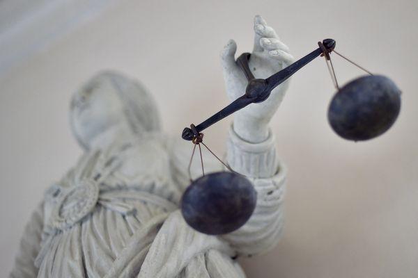 Natalia Rotenberg a porté plainte contre X après l'intrusion d'une trentaine d'individus dans sa villa à Saint-Jean-Cap-Ferrat. Une enquête est en cours.