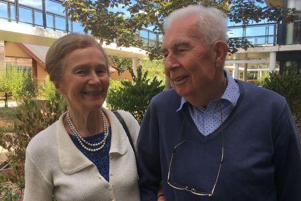 Martine, 80 ans et Hubert, 82 ans à l'accueil de jour de France Alzheimer 41 au CH de Blois.