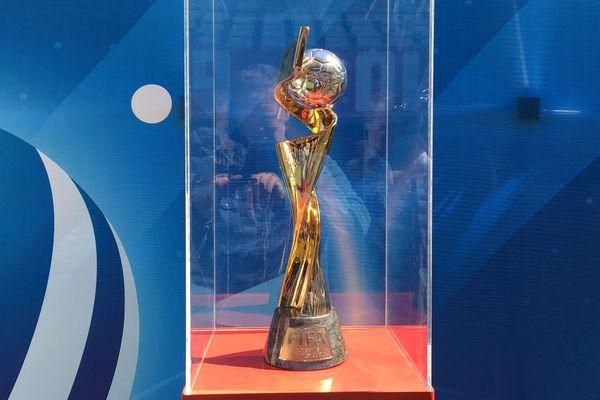 Le trophée est présenté au stade Delaune de Reims ce jeudi 16 mai.