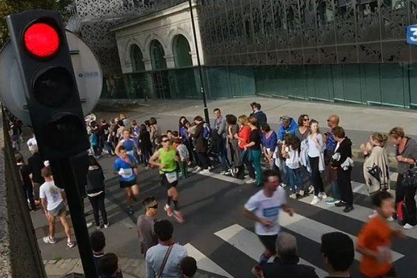 7 000  coureurs aux Foulées du Tram 2015