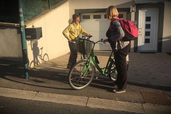 Lé vélo plutôt que la voiture pour Anne-Cécile et sa famille