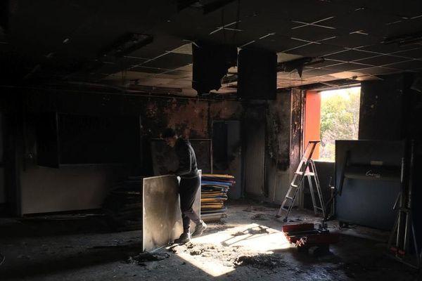 Le foyer des élèves, lieu de vie du collège Katia et Maurice Kraft, quartier de la Devèze à Béziers, a été totalement détruit. 5/11/2019