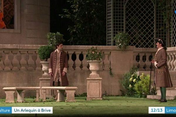 """Vincent Dedienne jouera le rôle de l'Arlequin dans la pièce de Marivaux """"le jeu de l'amour et du hasard"""" ce mercredi 13 mars 2019."""