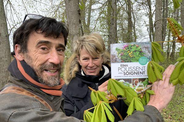 Xavier Mathias et Eve Gaignard présentent leur livre sur ces plantes qui soignent