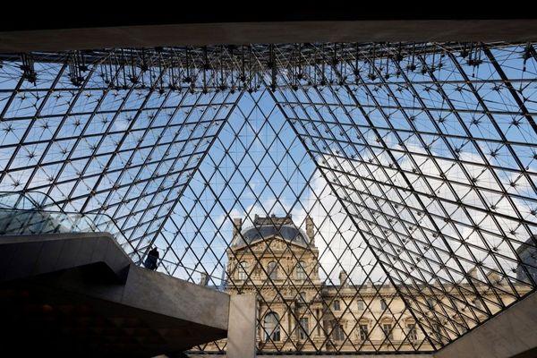 Un homme a été interpellé après avoir tenté de s'emparer d'une sculpture exposée au musée du Louvre (photo d'illustration).
