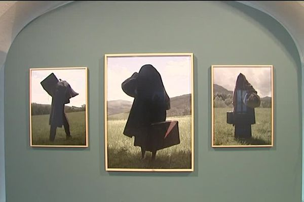 Des oeuvres de l'exposition « Guernika / La suite basque », de Charles Fréger, à Unterlinden