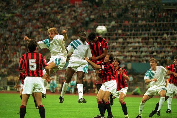 Le but de la tête de Basile Boli en finale de la Champion's League en 93.