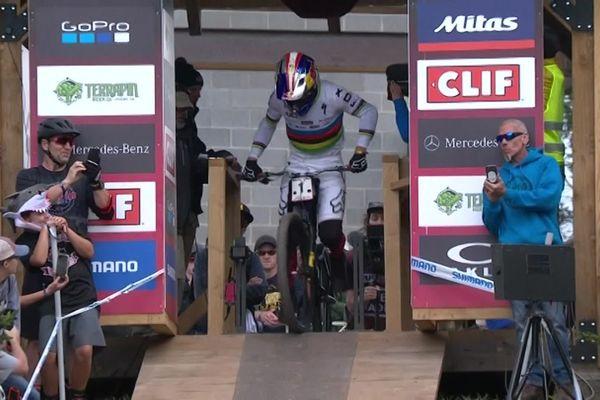 Loïc Bruni au départ de la course.