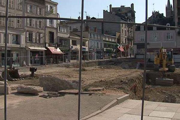 Les fouilles se poursuivront place de la République jusqu'au mois d'octobre.