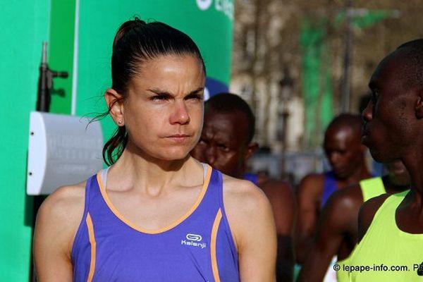 Sophie Duarte, dimanche matin, au départ du 39e marathon de Paris