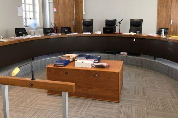 A la Cour d'Assises du Cher, au sein de la salle qui abrite le procès du Dr Dassas