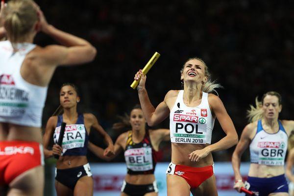 Les polonaises championnes d'Europe devancent les françaises et les britanniques en finale du 4X400 mètres à Berlin (Floria Gueï dernière relayeuse française)