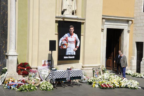 Le 21 juillet 2015, les obsèques de Jules Bianchi ont lieu à Nice, en la cathédrale Sainte Réparate.