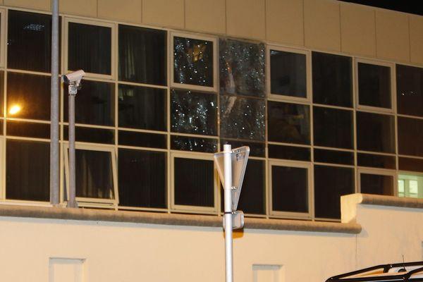 En décembre 2013, un tir de roquette a touché la facade aux vitres blindées du groupement de gendarmerie de Bastia