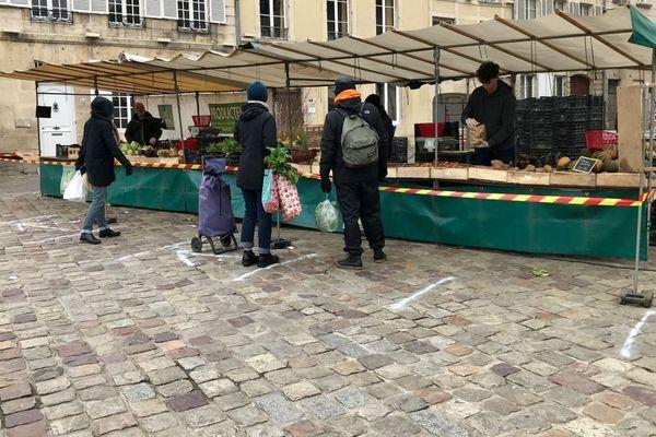 Le point de vente du vendredi, place St sauveur, à Caen