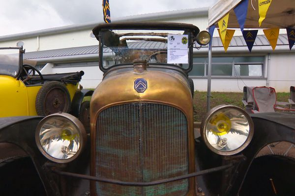 Une des toutes premières voitures réalisées par Citroën ...