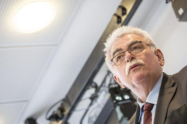 André Chassaigne, député communiste du Puy-de-Dôme, a estimé le 15 septembre 2015 que la France était en situation d'échec face à l'Etat Islamique.