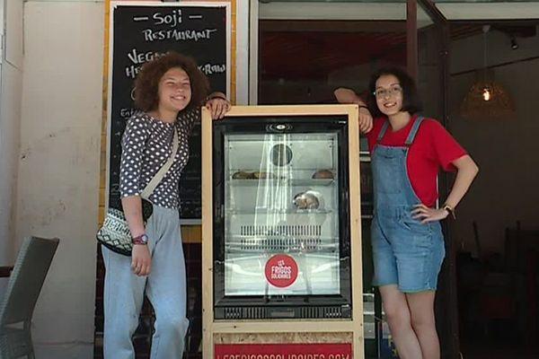 """Maïa et Hyba ont organisé une collecte de fonds avec succès pour obtenir ce """"frigo solidaire"""""""
