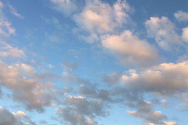 Soleil et pluie au programme de la météo de ce début de semaine en Auvergne-Rhône-Alpes. Mardi 9 octobre, le ciel restera relativement bien dégagé en attendant un mercredi beaucoup moins ensoleillé.