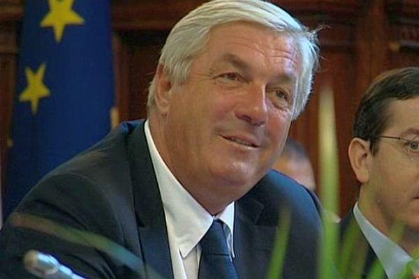 François Sauvadet, au conseil départemental de Côte-d'Or.