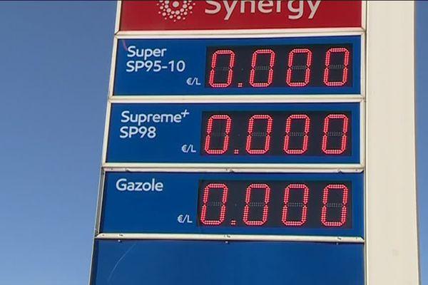 De Marseille à Nice, de plus en plus de stations services de la région ont des difficultés d'approvisionnement en carburant.