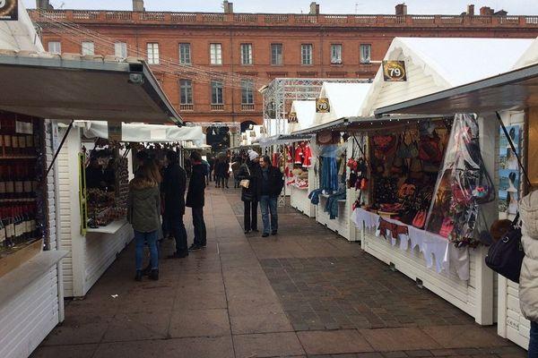 Au marché de Noël de Toulouse, ce mardi matin.
