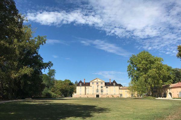Le château de Pont-de-Veyle date du XVIIIe siècle.