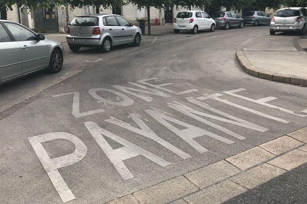 Zone de stationnement payant place de la Tranchée à Tours