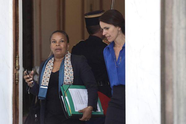 Le 2 Juillet 2014 - Sortie du conseil des ministres au palais de l'Elysee - Christiane Taubira (à gauche) et Aurélie Filippetti