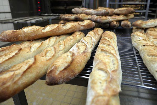 """Légalement, la préparation du pain sur place suffit pour se revendiquer """"boulangerie"""". Viennoiseries et pâtisseries peuvent êtres industrielles."""