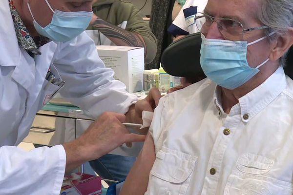 La salle Carnot Montargis transformée en salle vaccination.