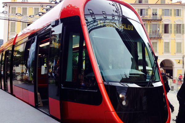 La rame grandeur réelle de la ligne Ouest-Est du tramway.