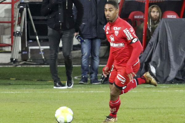 Le footballeur dijonnais Wesley Saïd lors du match de Ligue 1 Dijon-Bordeaux le 2 décembre 2017.