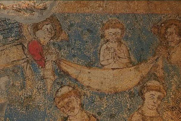 Les peintures de l'église médiévale de Sainte-Croix-en-Jarez sont menacées par des infiltrations d'eau.
