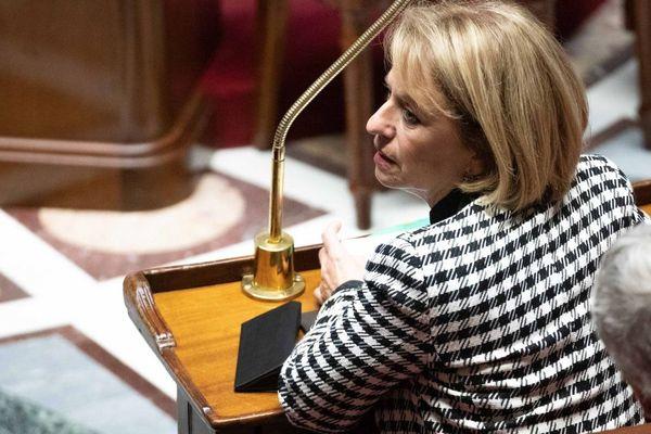 Brigitte Bourguignon, ministre déléguée auprès du ministre des Solidarités et de la Santé, chargée de l' Autonomie, sur les bancs du gouvernement à l'Assemblée nationale.
