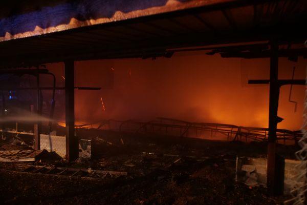 Incendie dans un poulailler de 2000 m² ce vendredi 27 novembre à Witternheim dans le Bas-Rhin