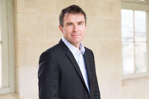 Le politologue Romain Pasquier plaide pour une subsidiarité renforcée et plus de responsabilités pour les collectivités.